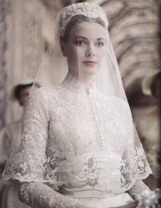 Grace-kelly-bride-7904401