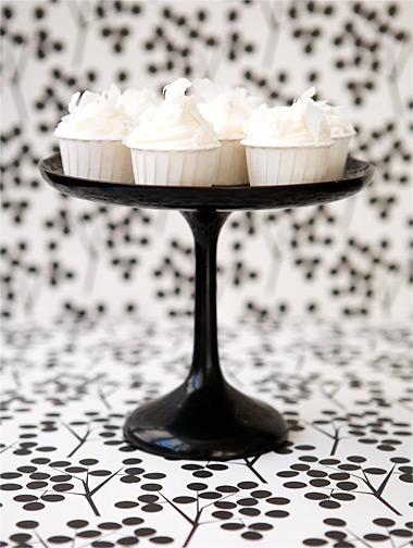 Bw_cupcake_berries_1a