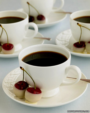 Wd101302_sum05_coffeechrrs_xl