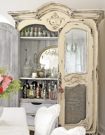 Armoire bar country living