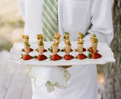 Southern-weddings-chicken-and-waffles