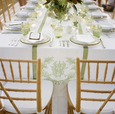 Southern-weddings-monogrammed-runner