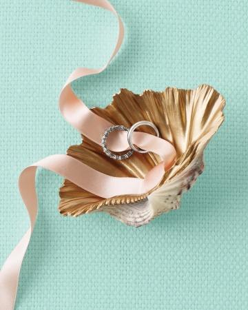Good-things-shell-ring-mwd108461_vert