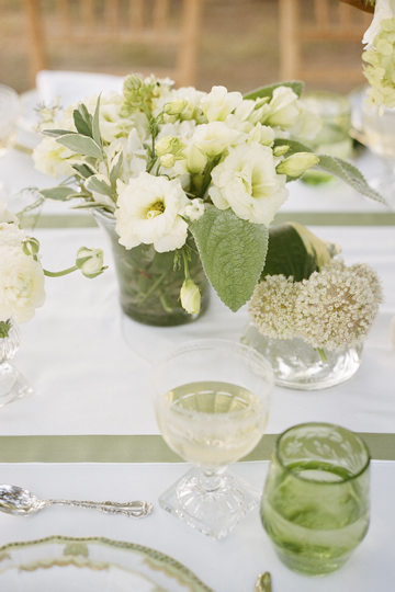 Southern-Weddings-Table-Floral-Arrangement