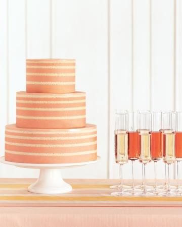Stripes-cakes-mwd108186_vert