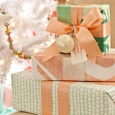 White-presents-l
