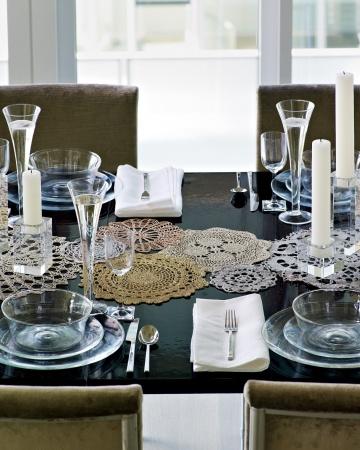 Table-mld107903_vert