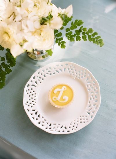 Southern-weddings-monogram-desserts