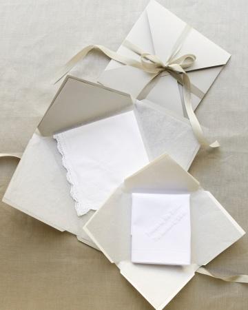Handkerchief-d109296_vert