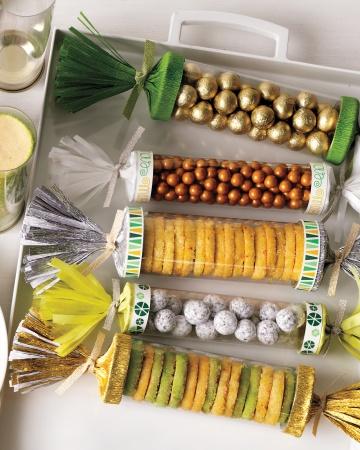 Crackers-mld109203_vert