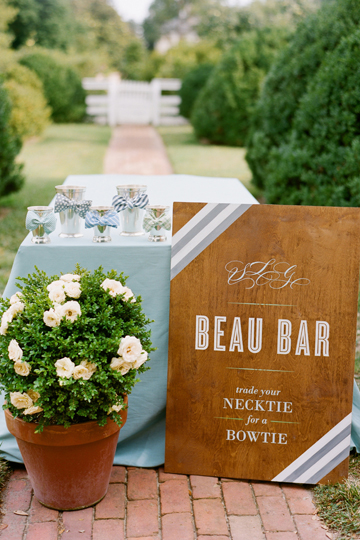 Southern-Weddings-Beau-Bar-Setup