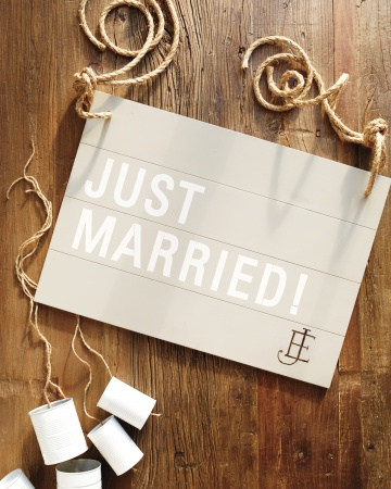 Just-married-sign-033-mwd109926_vert