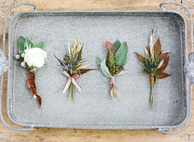 Southern-wedding-fall-boutonnieres