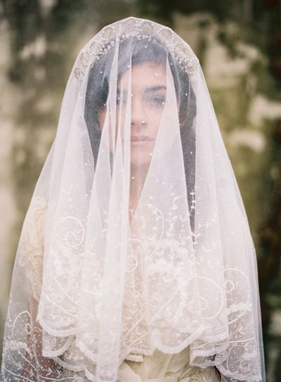 Antique-vintage-handmade-lace-veil-wax-bud-scalloped-tiara